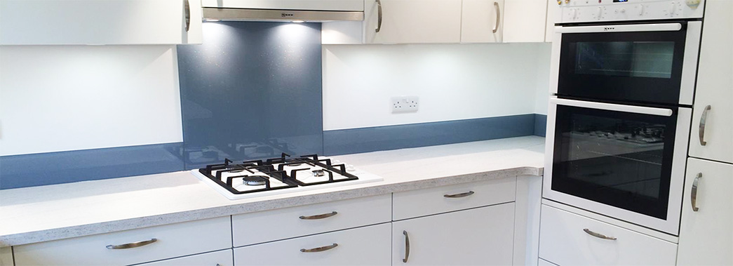 kitchen splashback white & blue